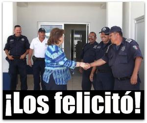 2 - 1 alcaldesa esthela ponce con policias de la paz 4253563