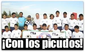 2 - 1 treviño con equipo de futbol