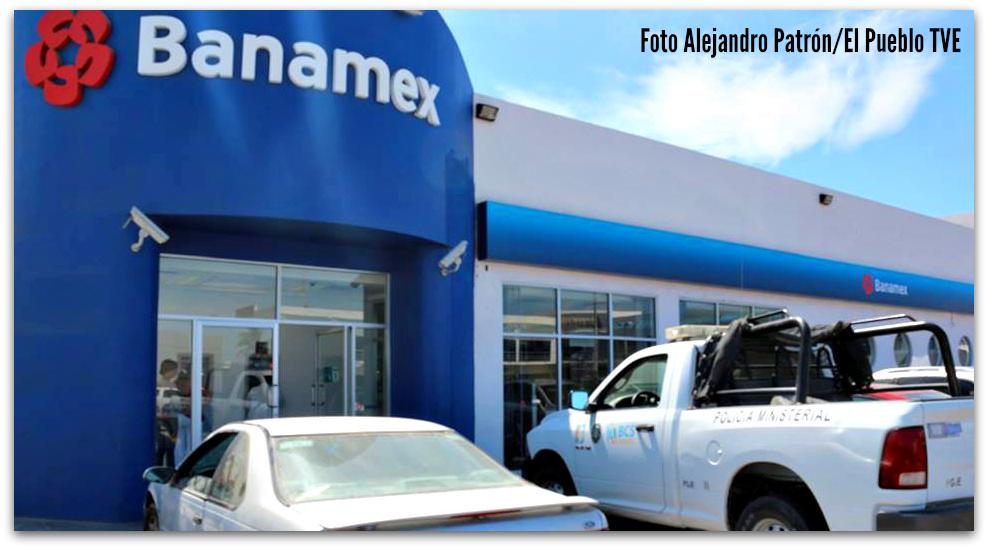 image Cajera del banamex en mexico