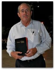 leonel con la biblia ya se hizo bueno