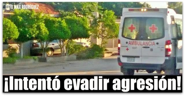 1 a ambulancia de cruz roja en el centenario