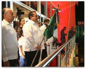 1 a carlos mendoza davis picore grito de la independencia 2015