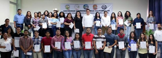 0-a-a-alumnos-uabcs-3