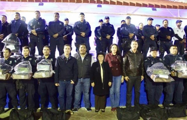 0-a-a-a-uniformes-policia-mulege