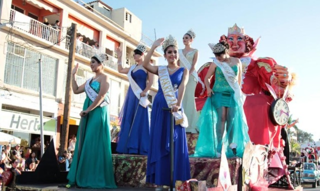 0-a-a-a-malecon-desfile-carnaval