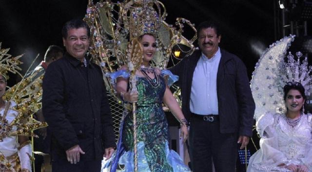 0-a-a-reina-carnaval-la-paz-2016
