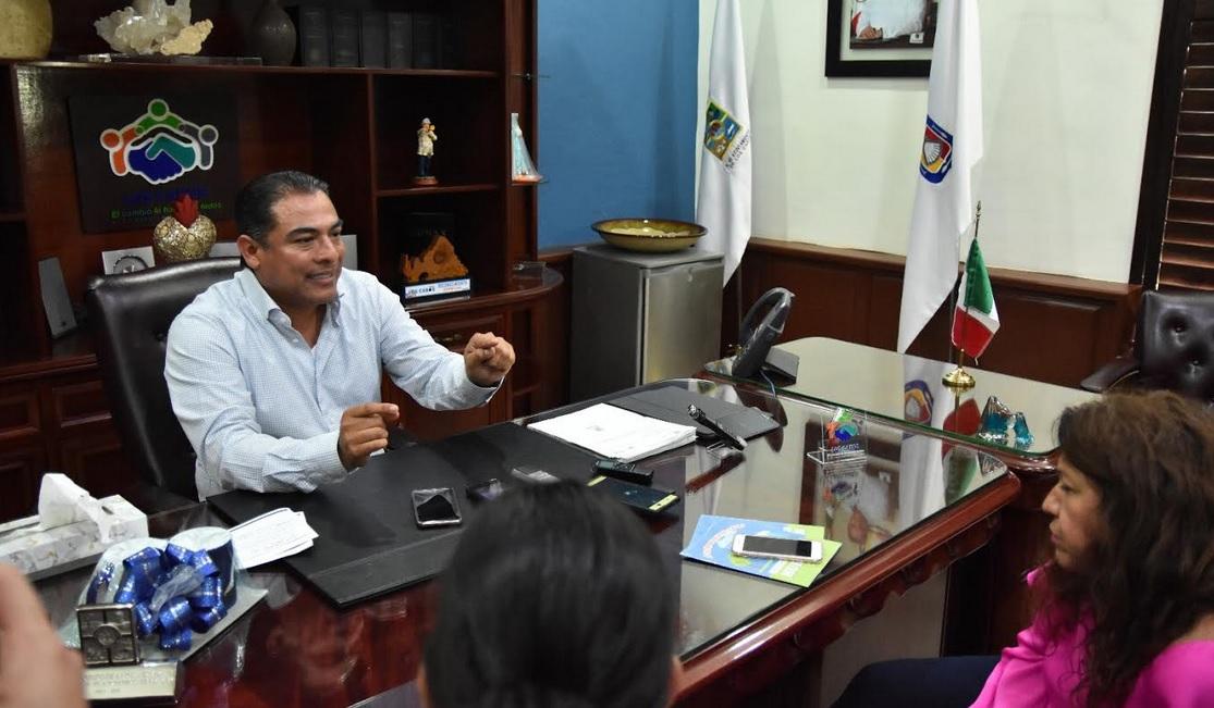 Sostiene alcalde de Los Cabos reunión con Sedatu en Ciudad de México